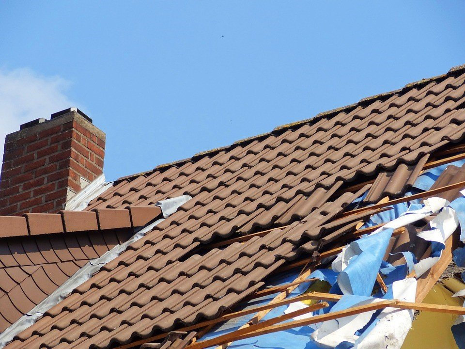 roof repair south elgin il - check roof for damage