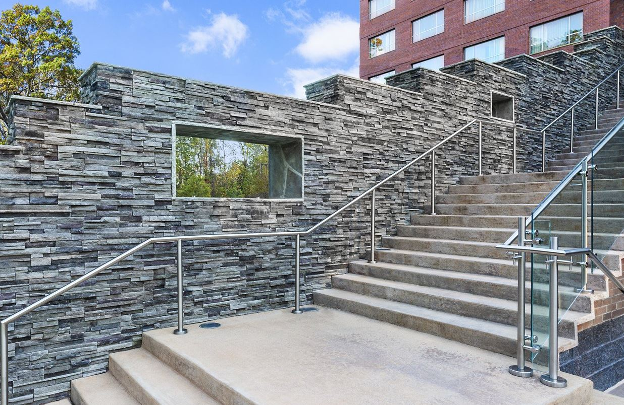 The Innovative Designs of Cultured Stone Installation in Chicago